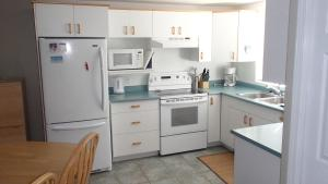 Hobo's Hideaway - 2 Bed / 2 Bath Condo, Apartmanok  Silver Star - big - 6
