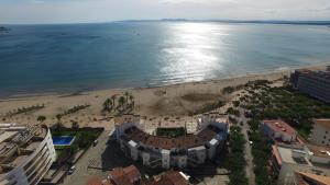InmoSantos Oasis D4, Apartmány  Roses - big - 9