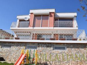 Villa Liana, Prázdninové domy  Bozhurets - big - 13