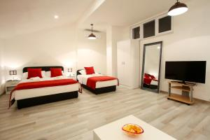 Central Located Guest House - фото 3