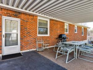 Ranch-Style House on East Side Home, Ferienhäuser  Nashville - big - 6