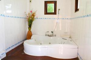 Yuwadee Resort, Курортные отели  Чалонг - big - 19