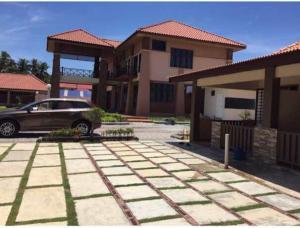 Villa Impiana Perupok, Vily  Kampong Binjai - big - 4