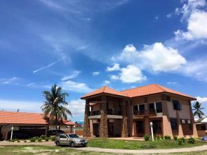 Villa Impiana Perupok, Vily  Kampong Binjai - big - 1