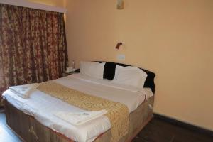 Hotel Sterling, Отели  Сринагар - big - 25