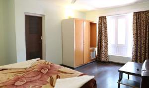 Hotel Sterling, Отели  Сринагар - big - 10
