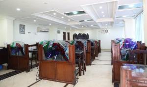 Hotel Sterling, Отели  Сринагар - big - 9