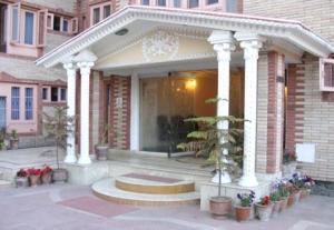 Hotel Sterling, Отели  Сринагар - big - 12