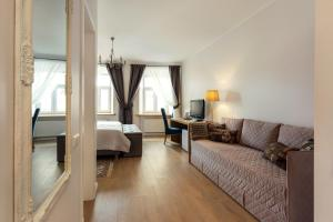 Stylish & Modern Studio Apartments Old Town, Apartments  Vilnius - big - 39