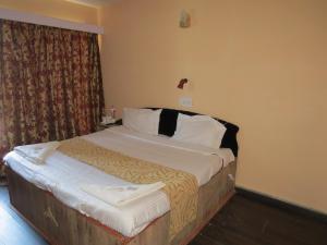 Hotel Sterling, Отели  Сринагар - big - 2
