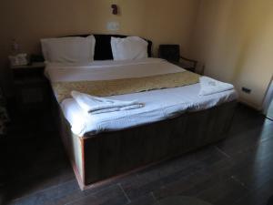 Hotel Sterling, Отели  Сринагар - big - 15