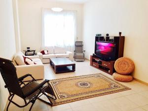 One Bedroom Apartment - Palace Towers - Dubai