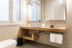 Monk suites by MLT at Ermou, Hotels  Athen - big - 18