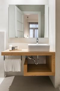 Monk suites by MLT at Ermou, Hotels  Athen - big - 13
