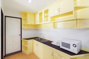 Adoring Saladaeng Residence By Favstay, Apartmanok  Bangkok - big - 17