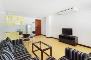 Adoring Saladaeng Residence By Favstay, Apartmanok  Bangkok - big - 12