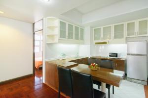 Adoring Saladaeng Residence By Favstay, Apartmanok  Bangkok - big - 6