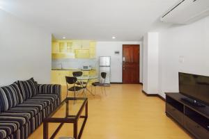 Adoring Saladaeng Residence By Favstay, Apartmanok  Bangkok - big - 5