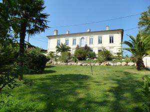 Villa Rue du Faubourg d'Envie
