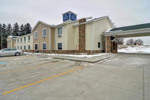 Cobblestone Hotel & Suites - Punxsutawney