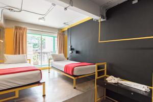 Saladaeng Gallery Hostel By Favstay, Апартаменты  Бангкок - big - 4