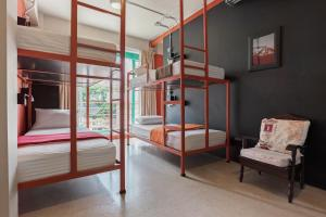 Saladaeng Gallery Hostel By Favstay, Апартаменты  Бангкок - big - 5