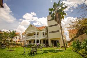 Кампала - Tiptone Hotel