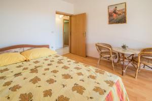 Irena&Dolores Apartments, Ferienwohnungen  Malinska - big - 7