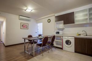 Geneva Condominium by Sirawadee, Apartmány  Ban Bang Phang - big - 7