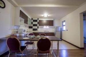 Geneva Condominium by Sirawadee, Apartmány  Ban Bang Phang - big - 12