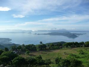 Taal View Tagaytay Condo, Apartmány  Tagaytay - big - 2