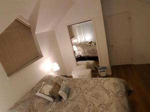 Emperial Suites, Отели типа «постель и завтрак»  Северный Ванкувер - big - 6
