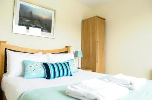 Your Stay Bristol Cotham Lawn