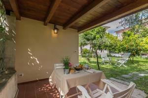 La Casina, Apartments  Massa - big - 2