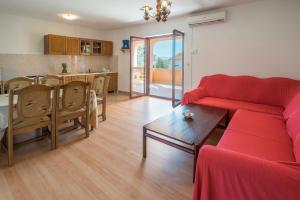 Irena&Dolores Apartments, Ferienwohnungen  Malinska - big - 14