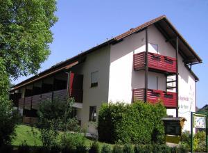 Landhaus Vogelweide - 2 Zimmer mit Balkon, Ferienwohnungen  Bad Füssing - big - 1