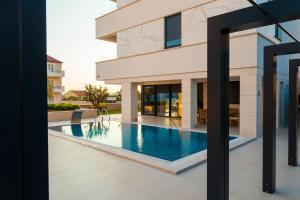 Paradise Luxury Apartments - Sunset Suite 11, Apartmány  Podstrana - big - 17