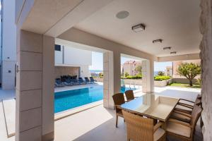 Paradise Luxury Apartments - Sunset Suite 11, Apartmány  Podstrana - big - 28