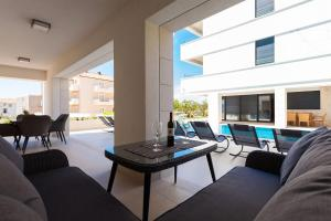 Paradise Luxury Apartments - Sunset Suite 11, Apartmány  Podstrana - big - 84