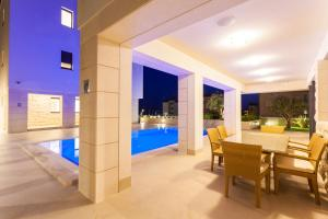 Paradise Luxury Apartments - Sunset Suite 11, Apartmány  Podstrana - big - 55