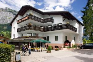 Hotel Surpunt, Hotel  Flims - big - 1