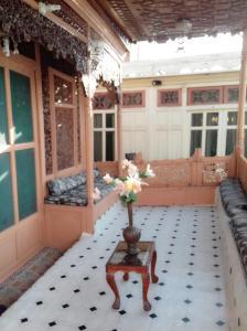 Kashmir View Houseboat, Отели  Сринагар - big - 17
