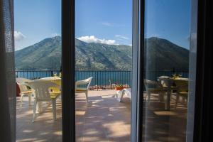 Stoliv Bay House, Ferienhäuser  Tivat - big - 9