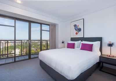 Metro Suites Apartment Hotel
