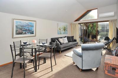 Gordon Villa 2 - Christchurch Holiday Homes