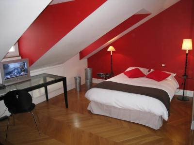 Paris Appartements Services - Les Appartements du Village Royal