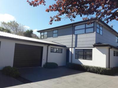 Hutcheson Street Villa - Christchurch Holiday Homes