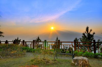 Jun Yue Hanging Garden Resort