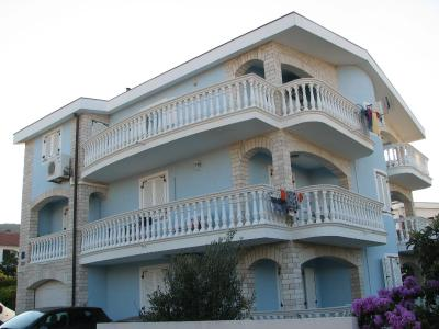 Apartments Golubić