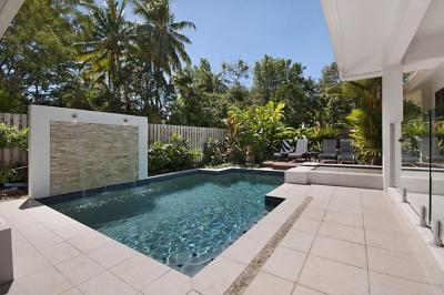 Port Douglas Accommodation - Concha Marina Holiday House